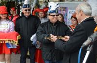 Градоначалникот на Струмица го предаде клучот од општината на карневалџиите